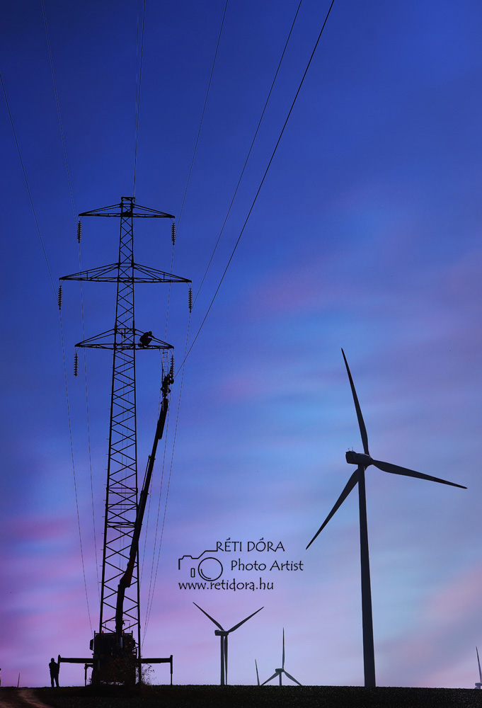 Ipari fotó - Réti Dóra Nagyfeszültségű távvezetékoszlop építés