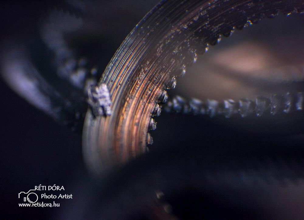 Réti Dóra az ipari fotózás specialistája Forgácsolóüzem, forgács illusztráció